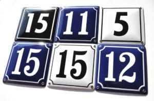 Skillinge Emalj - klassiska husnummerskyltar