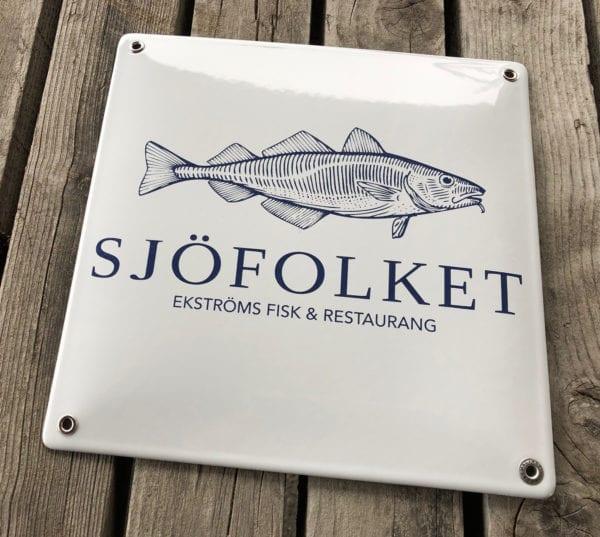 Screenad emaljskylt till Sjöfolket i Skillinge och Simrishamn