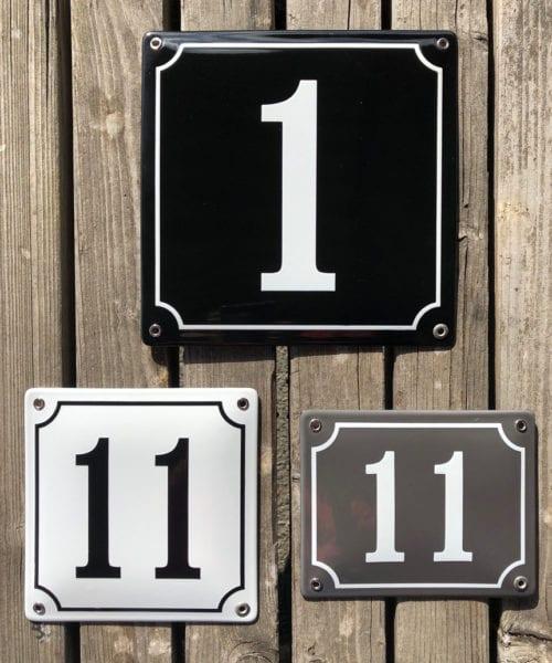 Ett, etta, ettor på husnummerskyltar