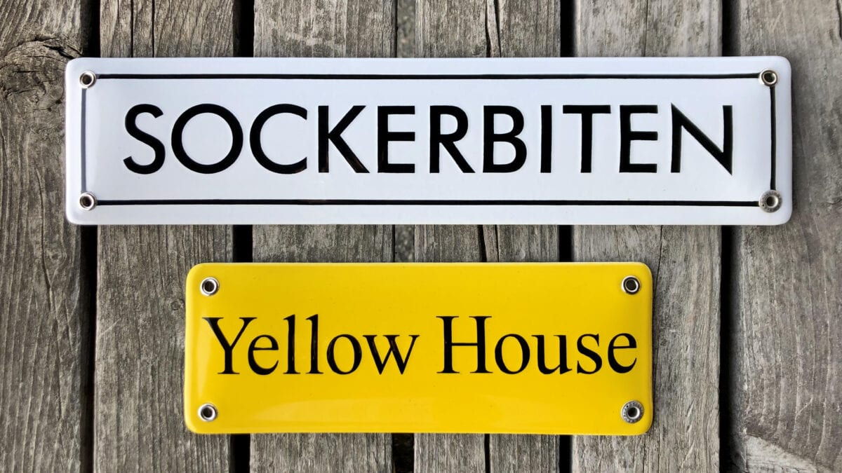 Namnskyltar-sockerbiten-yellow-house